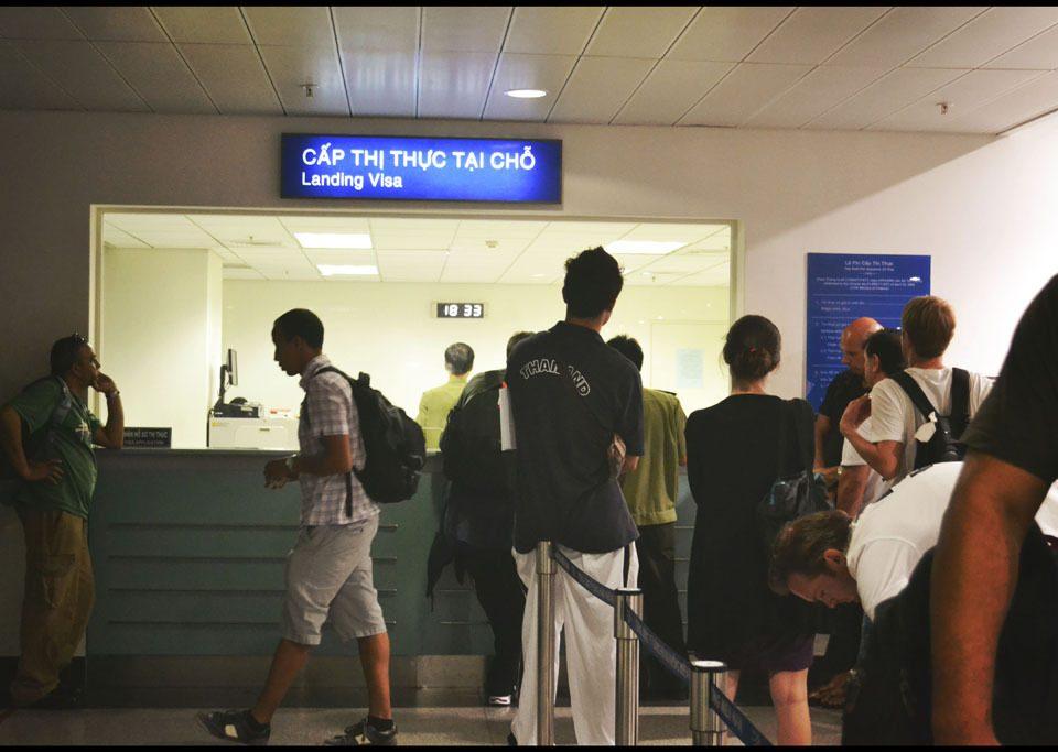 miễn thị thực cho khách Tây Âu